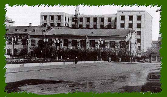 Красная площадь когда открыта в июне